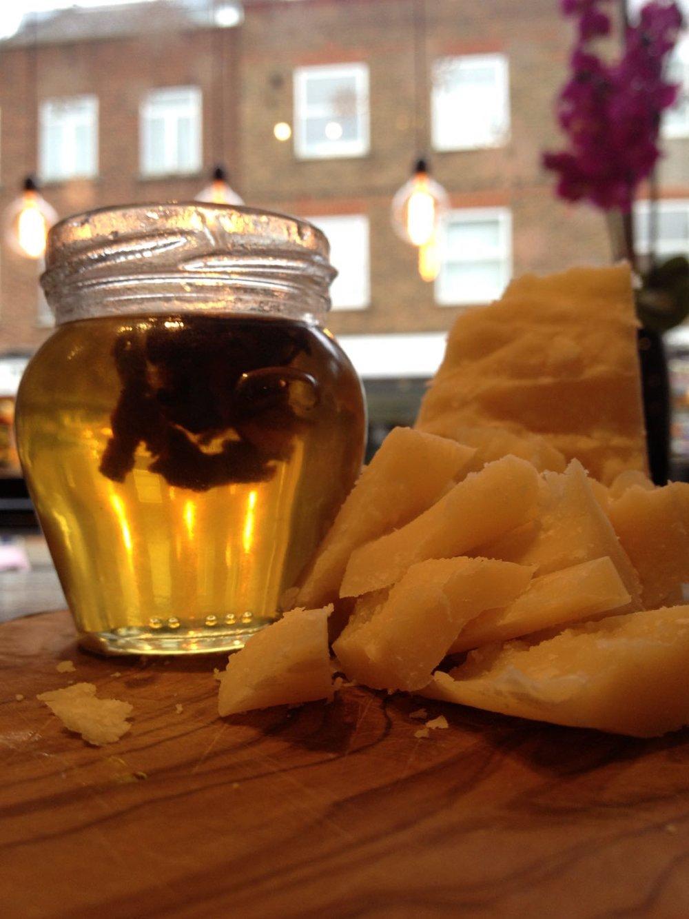San Pietro a Pettine truffle honey with aged parmesan