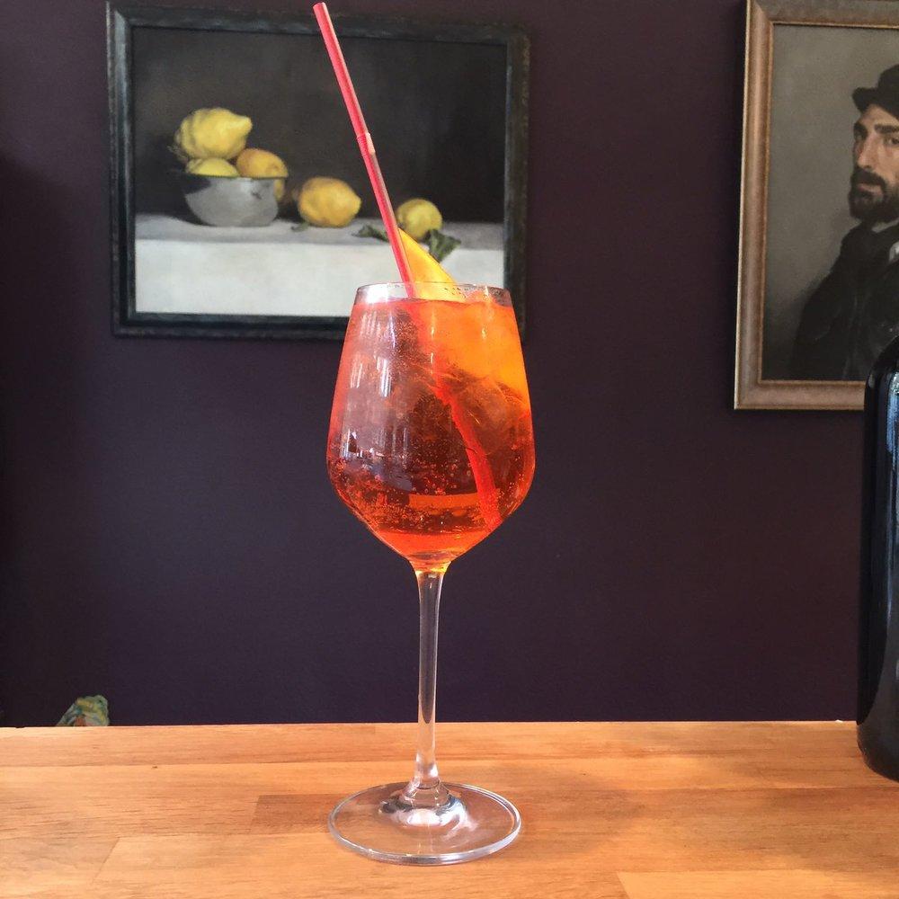 aperol spritz wine