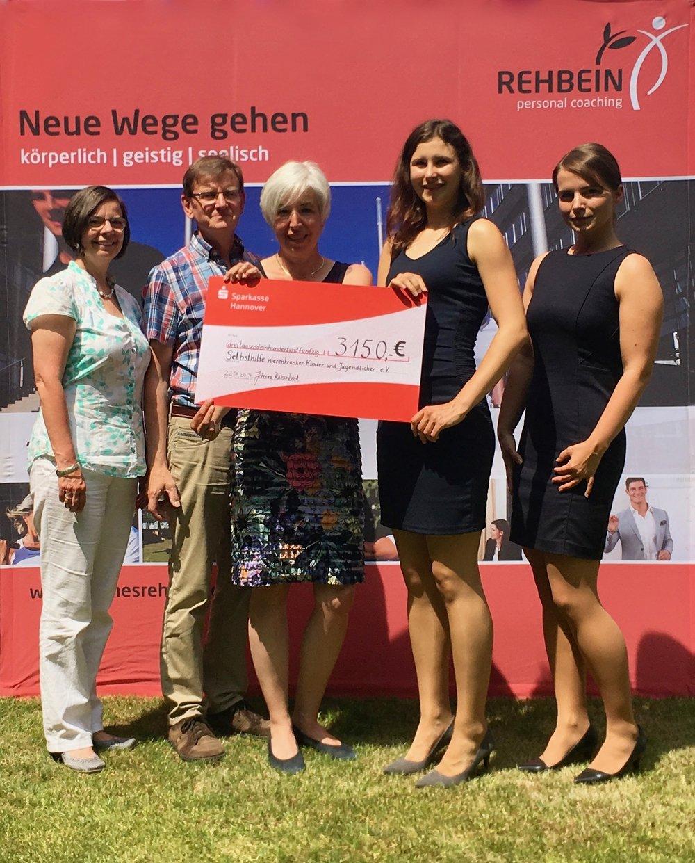 v.l.: Barbara Brauner, Clemens Brauner, Susanne Weise (Selbsthilfe nierenkranker Kinder und Jugendlicher e.V.); Johanna Riesenbeck (Rehbein personal coaching), Jasmin Lange (Rehbein group)