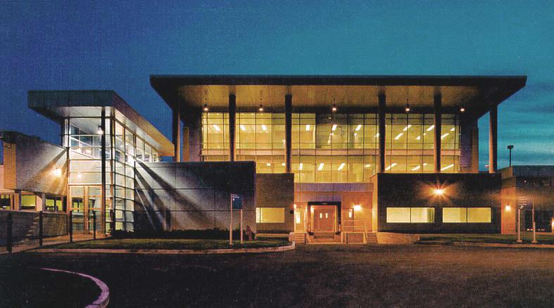 Centre de détention Rivière des prairies  Année :1997    Budget: 38,9M$   Réalisé en consortium