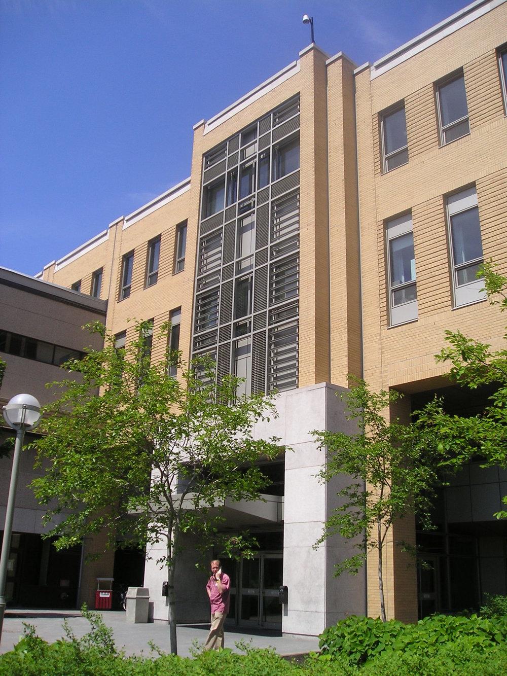 Agrandissement de l'hôpital de l'Enfant-Jésus  Année :1997    Budget: 40,8M$
