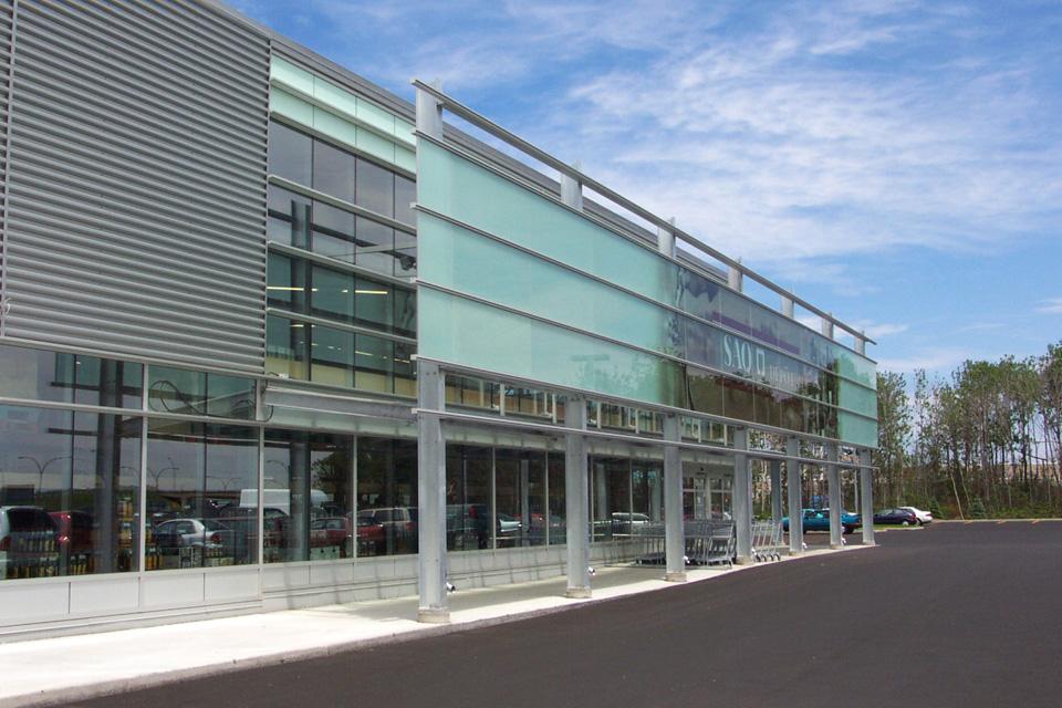 SAQ - Centre de distribution de Québec  Année : 2002    Budget: 9M$