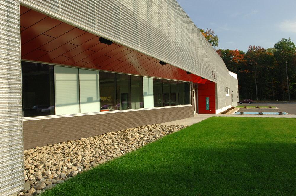 2659, Parc Technologique , façade latéral détail 1.JPG