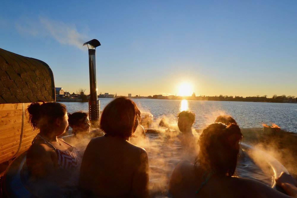 Hotdays  - The day where we all share the baths and Sauna  together.Copenhot welcomes you every Wednesday and Sunday to HOT DAYS! Take 1,5 hours out of your day and enjoy beautiful Copenhagen harbour from our panoramic sauna AND salt water baths, for just 200,- DKK per person!The days will be divided into 4 time-slots 12-14, 14-16, 16-18 and 18-20:00. You can prebook these days via our website, or you can try your luck and pay on sight, but be aware that we are often sold out...  (we take: cash, MobilePay and Creditcard on sight).