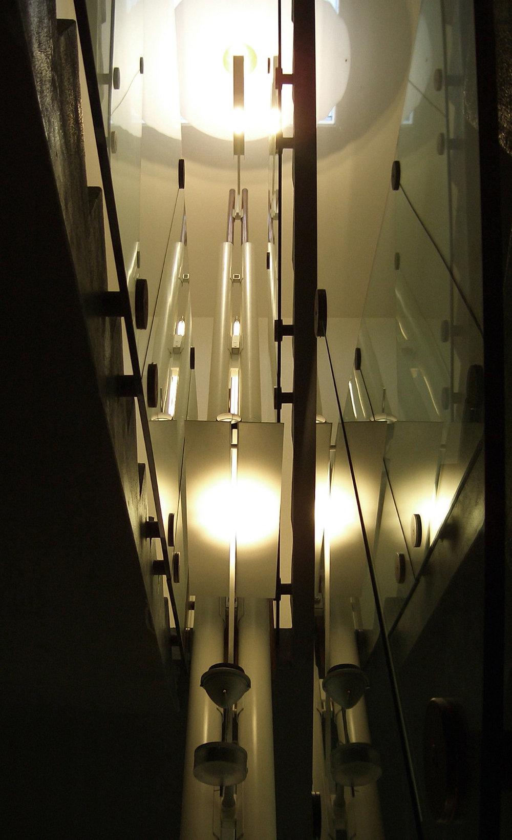 LAMP-FLO-03.jpg