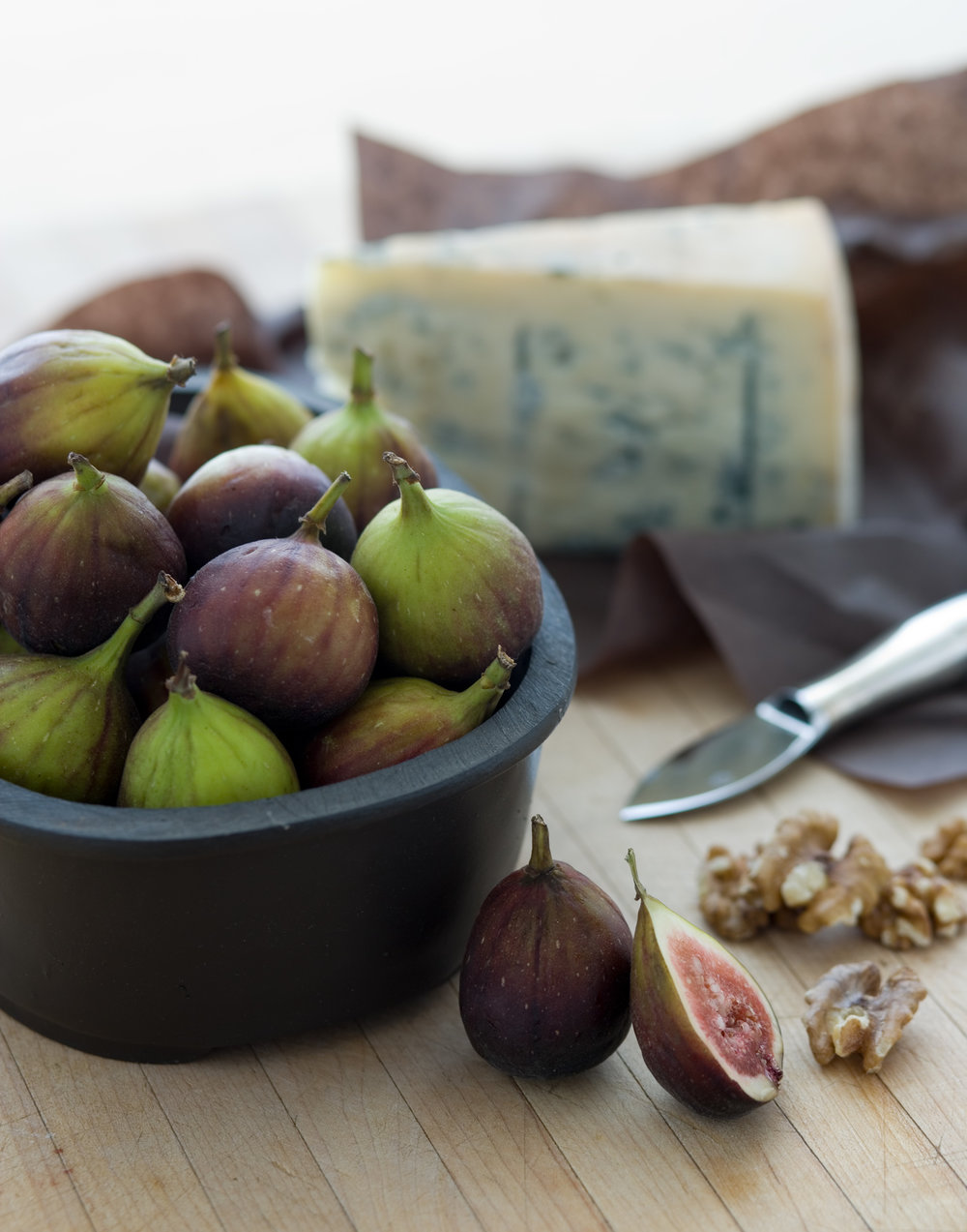 Figs ready to be eaten with blue cheese