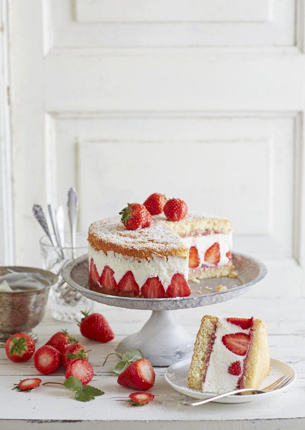Strawberriesandcreamcake.jpg