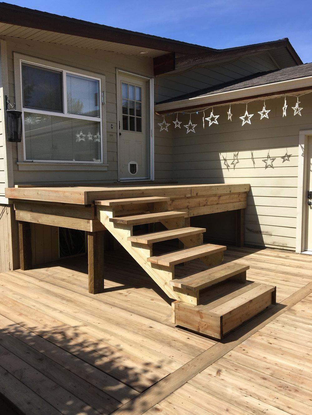 Kelowna Deck + Stairs