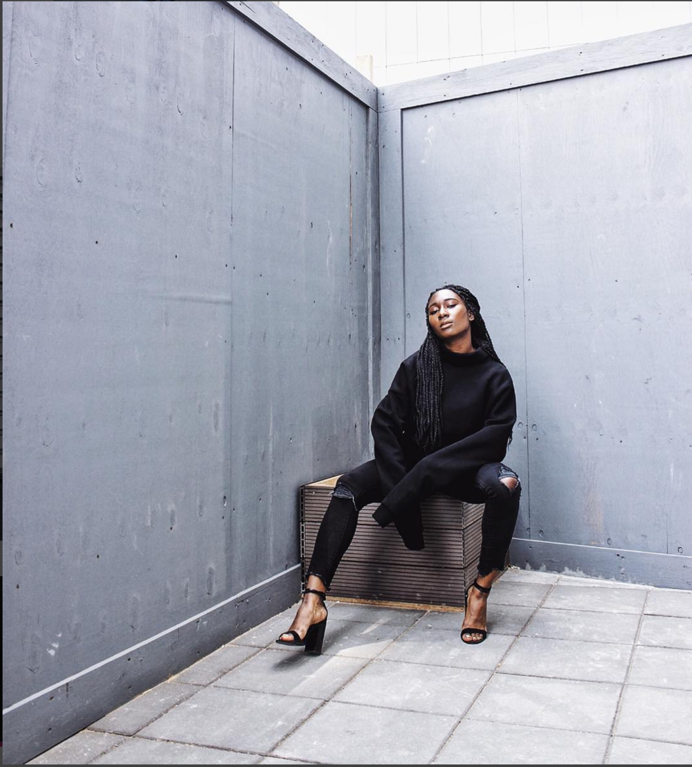 Iman is 23 years old and she works as a user experience designer @ CISCO. She also runs her own blog, Manigazer.