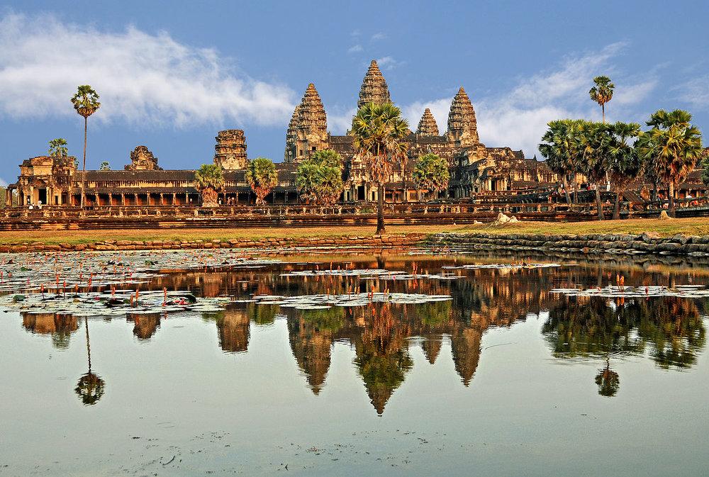 1280px-Cambodia_2638B_-_Angkor_Wat.jpg