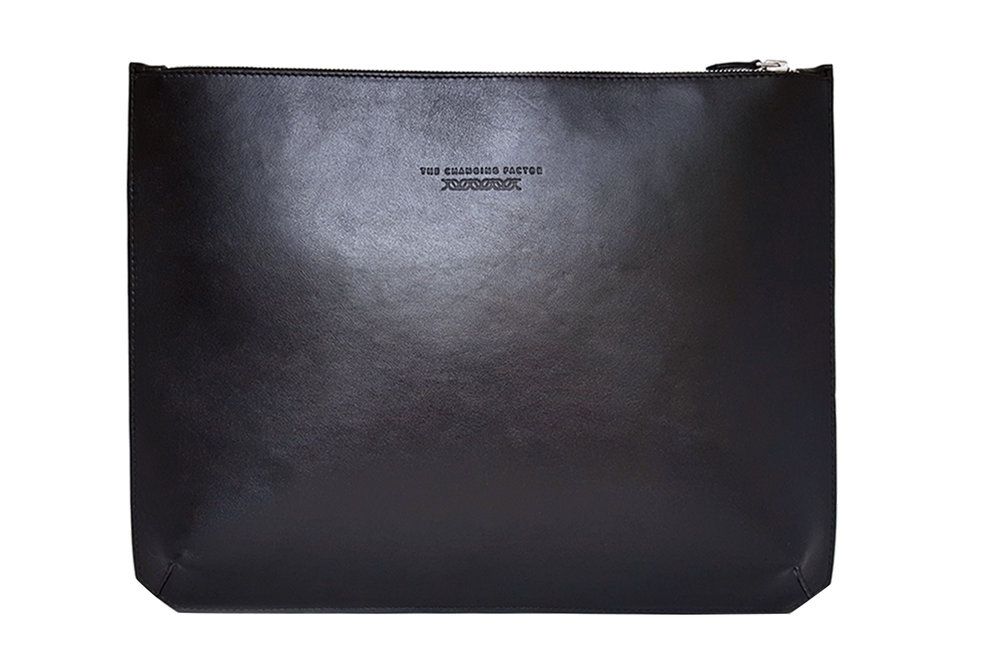 alien-minimalist-sleeve-large-laptop-the-changing-factor.jpg