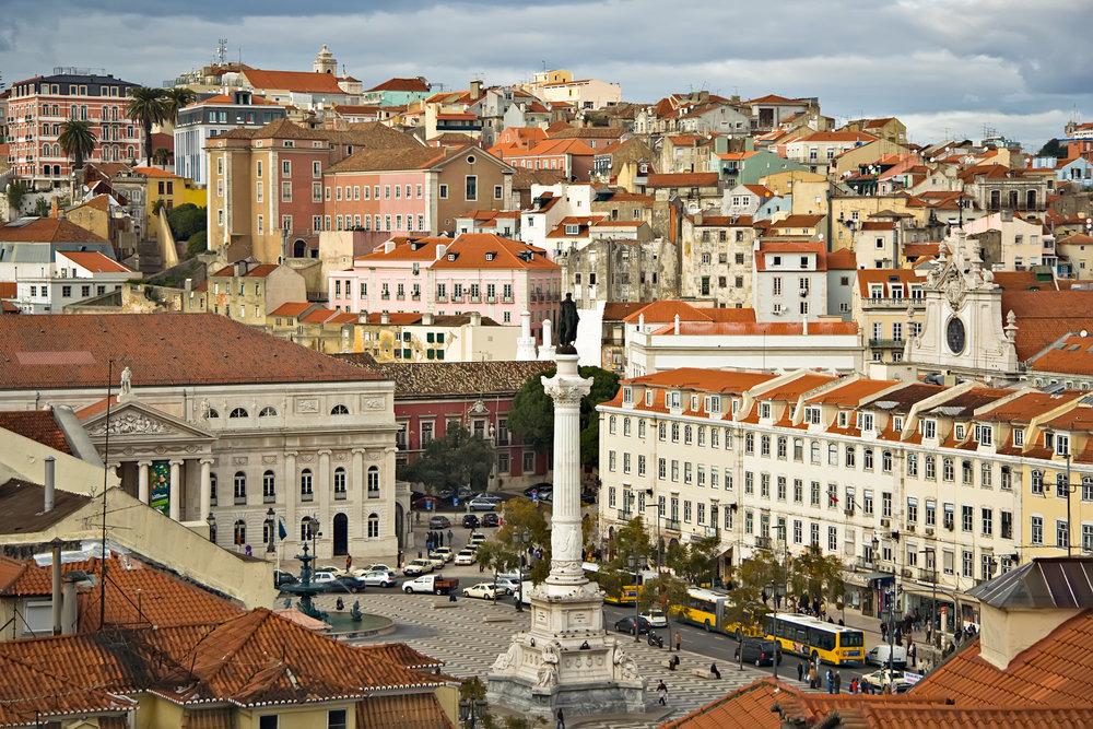 Lisbon_09882_Lisboa_Praça_don_Pedro_2006_Luca_Galuzzi.jpg