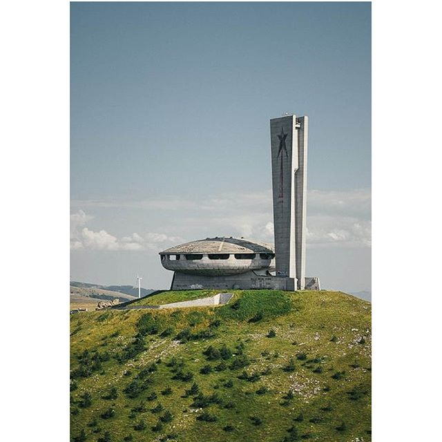 ~ || // // // // // // #architectureporn #architecturelover #architecture_hunter #architecturephoto #architecturedesign  #architecturedaily #architecturewatch #flashesofdelight #architecturedetails  #archidaily #archilover #archilovers #archimasters #architektur #architectural #inspirationdaily #inspirationboard #inspogram #minimalist #minimallove #minimalis #minimalmood #minimalismo #minimalistic #vsco📸 #vscolike #vscocamgood #moodboard #vzcomood