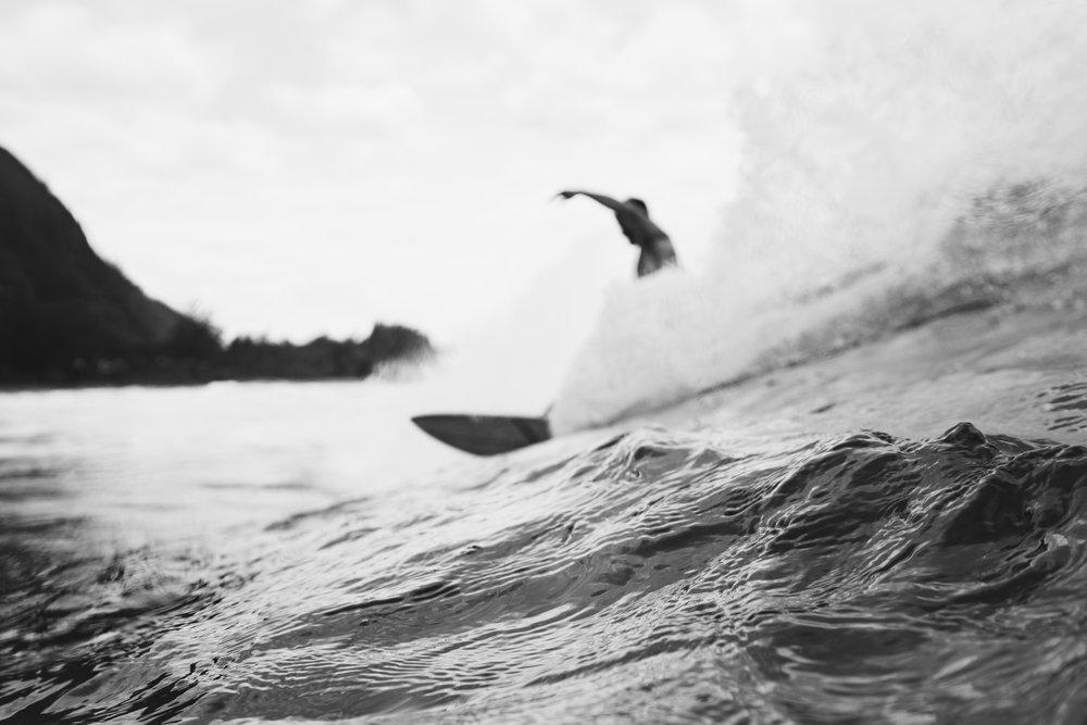 kauai surf (97 of 158).jpg