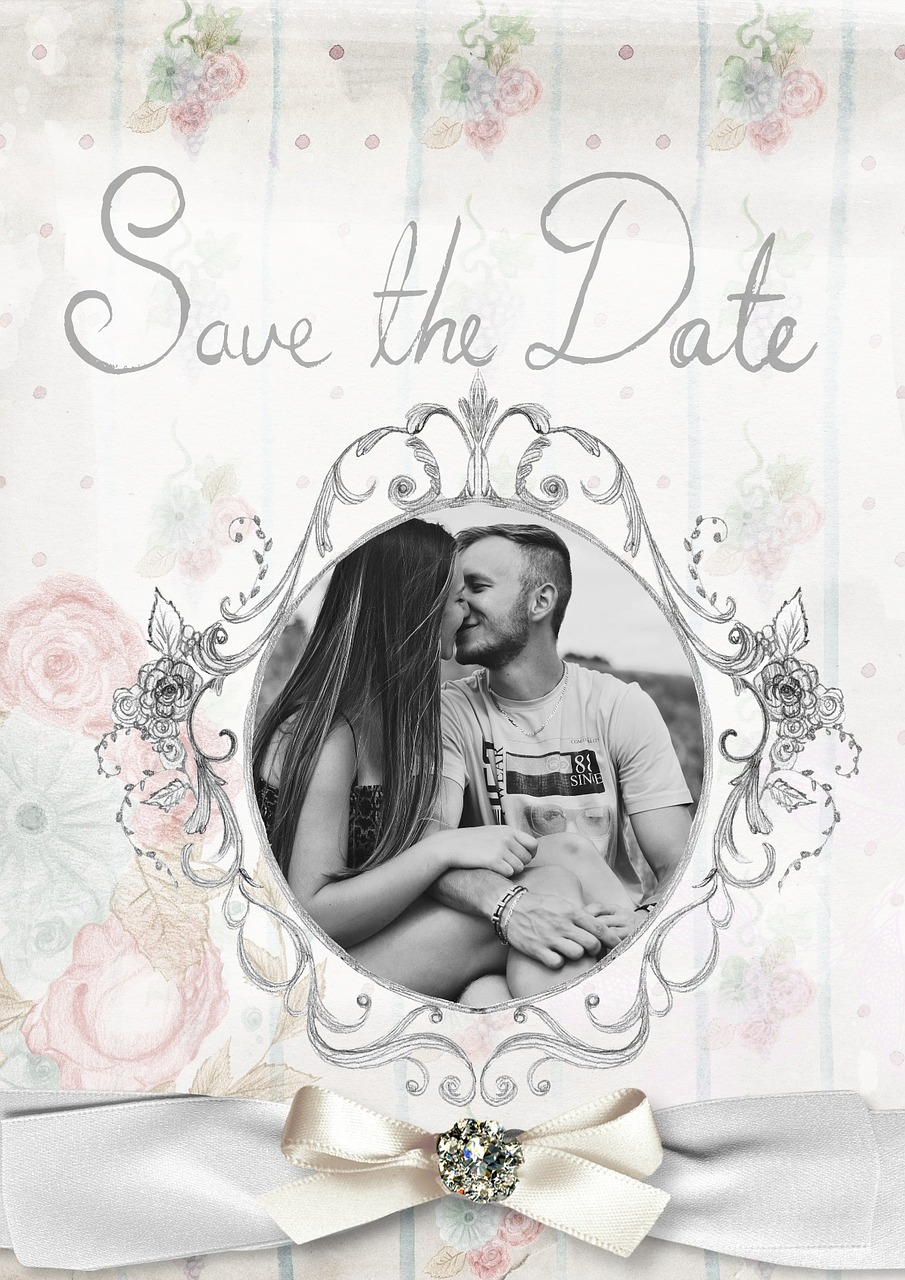 Invitations made easy: Wedding invitation ettiquette and schedule. #weddingtips