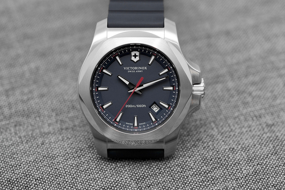 Victorinox-Swiss-Army-INOX-watches.jpg