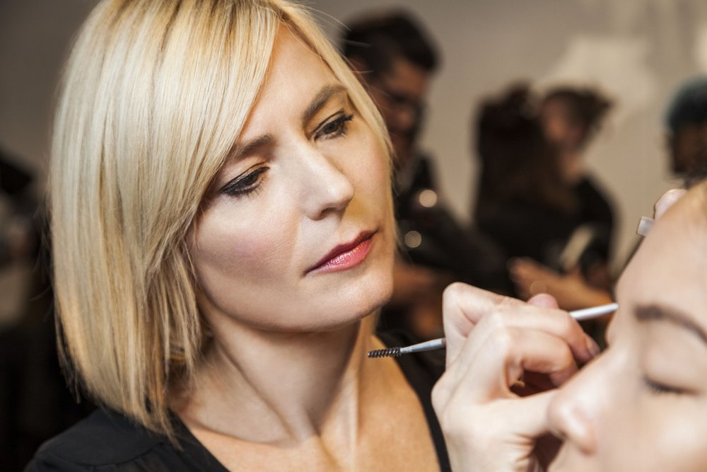 ...fill in the brows. @aveda #makeup #livingaveda #nyfw #nllblog