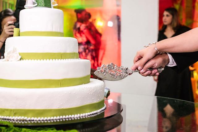 wedding-cake-budget.jpg