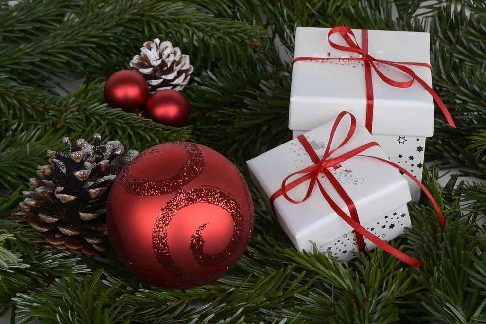 gift-giving-budget-christmas