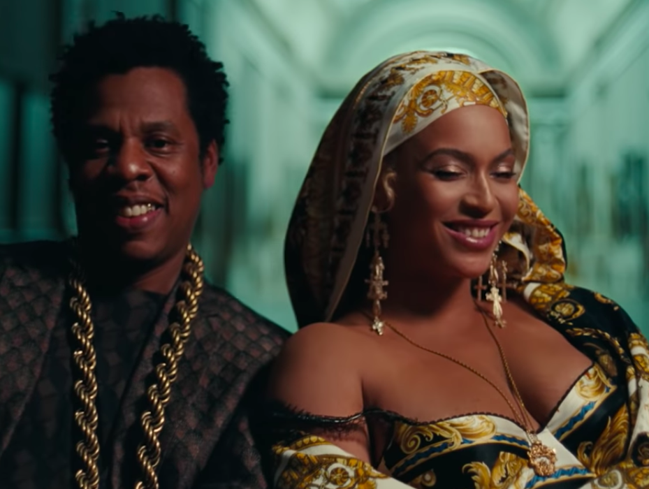 In-video screenshot from the APES**T - THE CARTERS video