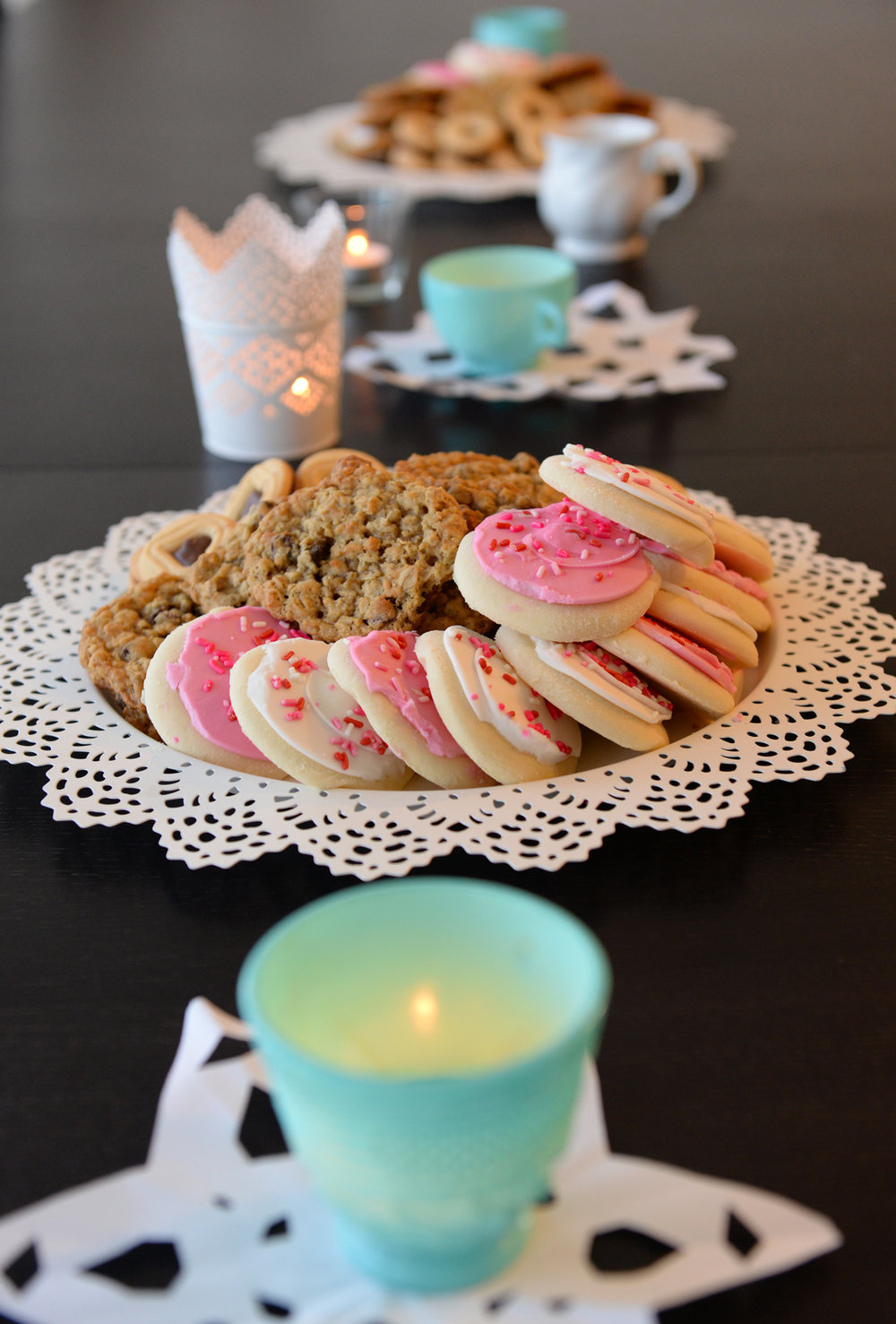 Candles + cookies = cozy!