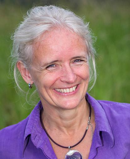 Powerlife-Yoga-Moffat-Beach-Astrid-De-Ruiter-Psychotherapist-Mindfulness.jpg