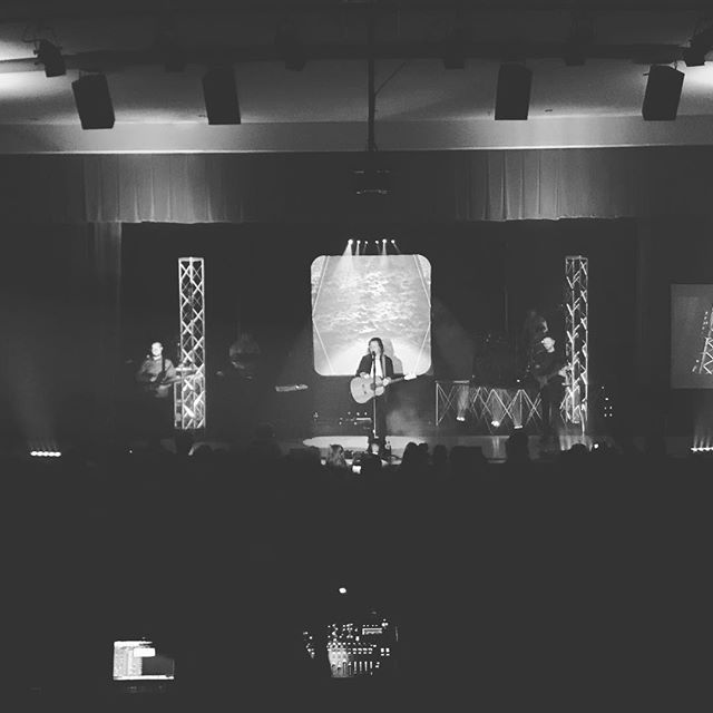 We had a great night at Spring Valley High School on Sunday. Thanks to everyone who spent your evening with us and to all who had a part in making the event a success! • •  #rthontheroad #worshipmusic #lightingproduction #stagedesign #giggingmusician