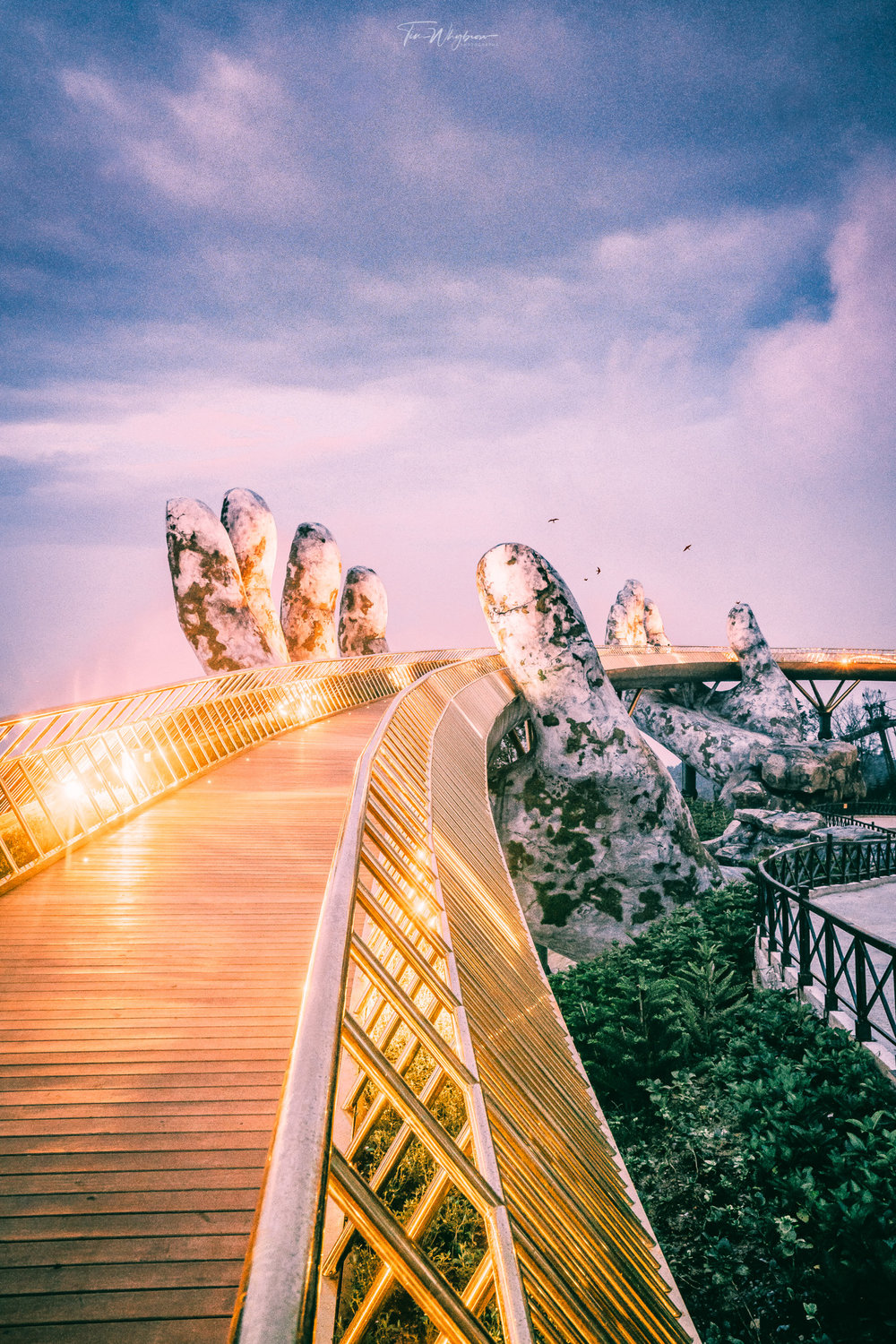 Golden Hand Bridge Vietnam | Instagram: @timwhybrow_