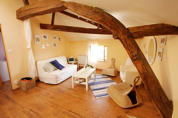 Look at those beautiful beams in our little French apartment! I miss those!