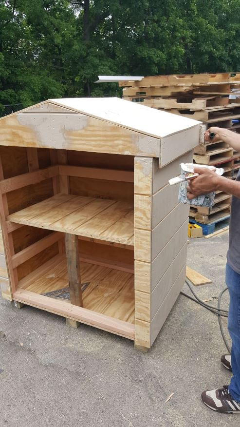 Custom outdoor pantry for deliveries at a grocery store