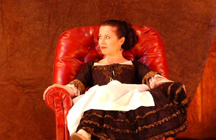 Natalie Christie Peluso as Susanna in The Marriage of Figaro for Opera Australia 2004