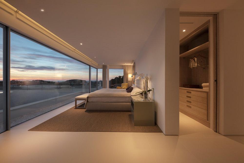 Fotografía de interiores con puesta de sol.