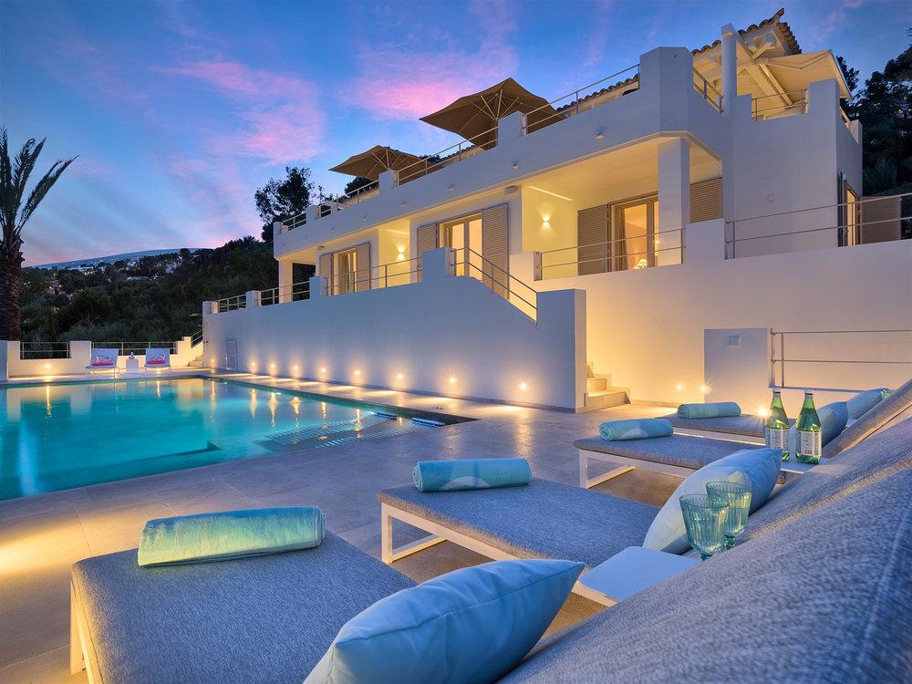 "Villa Samaniego I, <span STYLE=""font-weight: normal"">2017</span>"