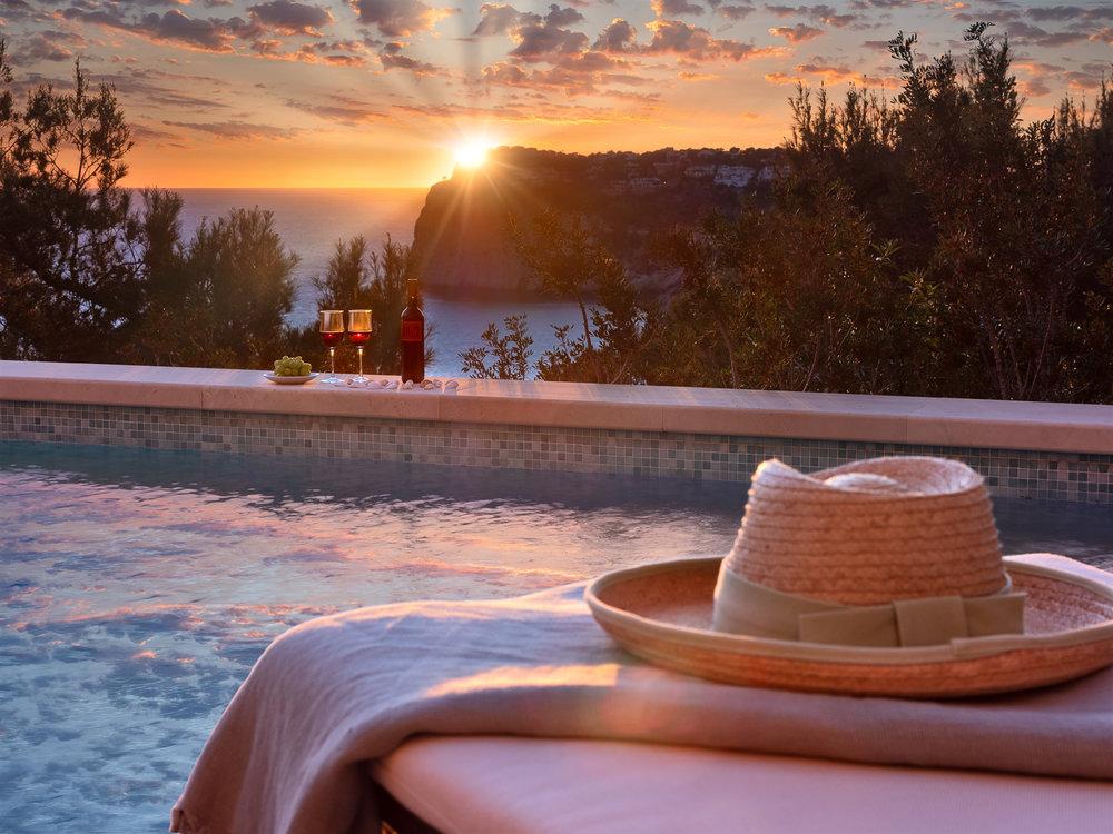 The Sunset Villa, 2019