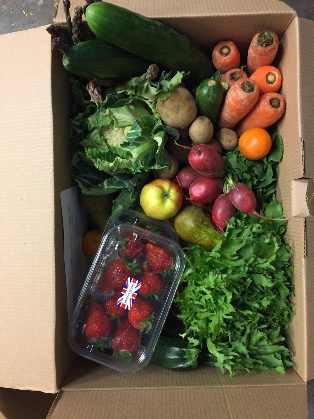 Large Fruit & Veg box