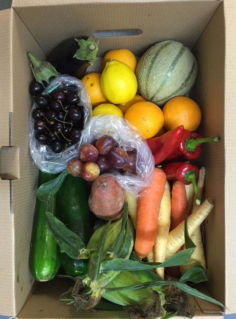 Large Fruit & veg box