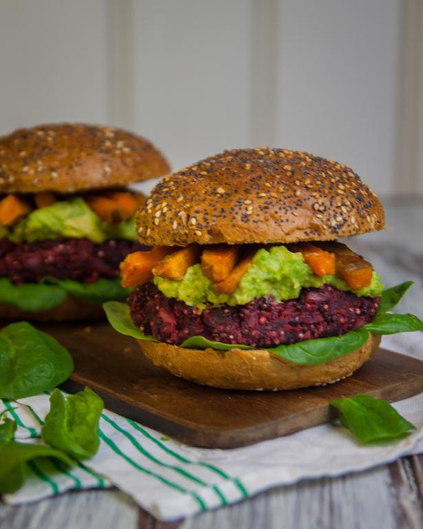 Beet and Quinoa burger (Vegan) -