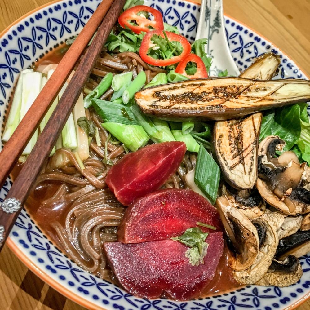 biffens-kitchen-30-minute-veggie-ramen.jpg