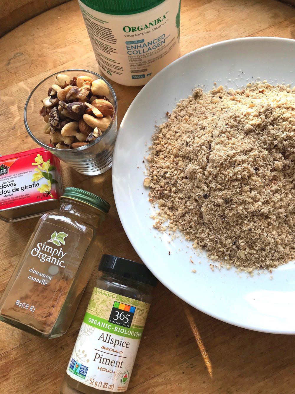 THIS BATCH USED ALMONDS, CASHEWS, WALNUTS, HAZELNUTS, COLLAGEN PEPTIDES (INSTEAD OF VEGAN PROTEIN) AND DRIED UNSWEETENED CRANBERRIES.