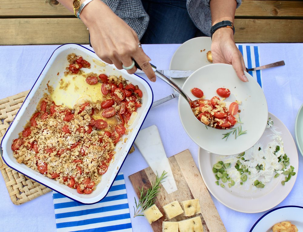Baked tomatoes with anchovies, garlic and breadcrumbs