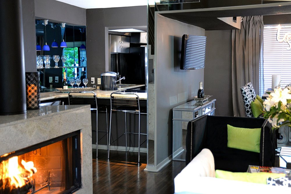 Apartment 5.4.1 Kitchen _ Bar..jpg