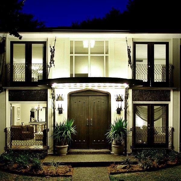 Paradiso 3 Apartment Entrance Doors.jpg