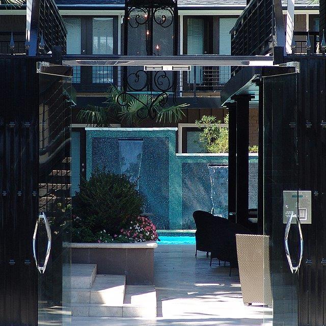 Paradiso 5 Courtyard 1.jpg