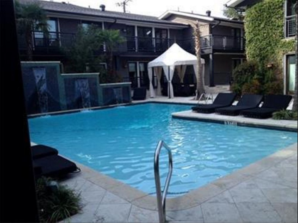 Paradiso 6 Courtyard 1.JPG