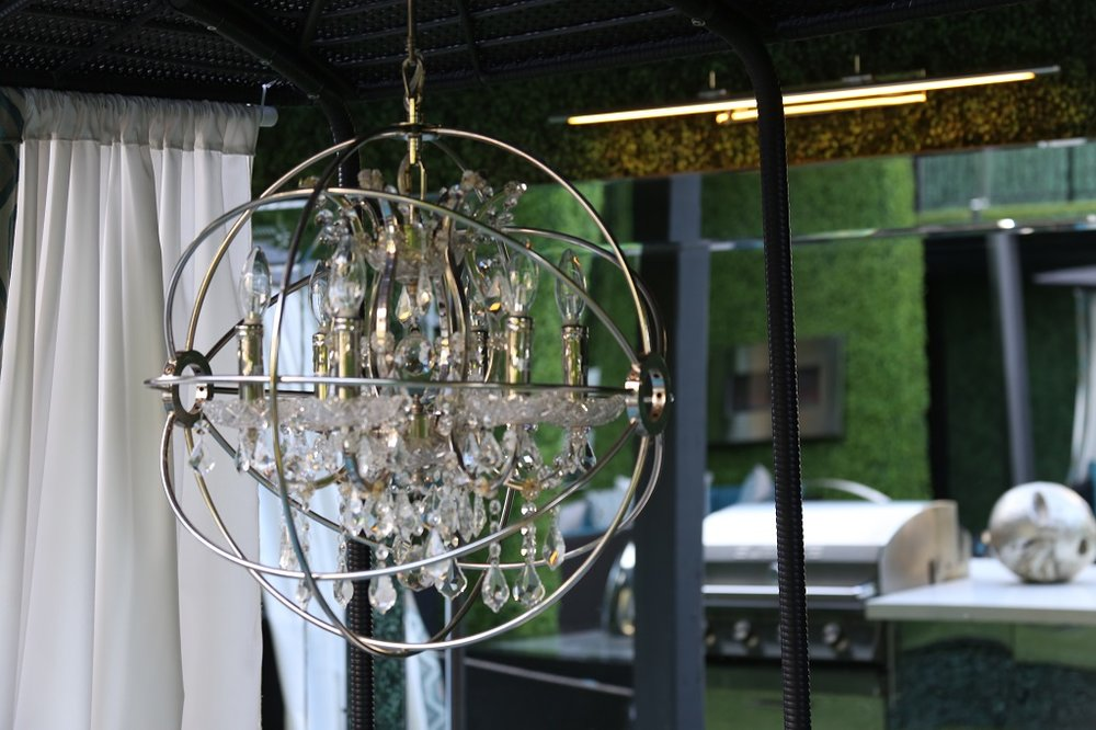 5200 Gaston - GREEN HOUSE courtyard daybed chandeliers.JPG