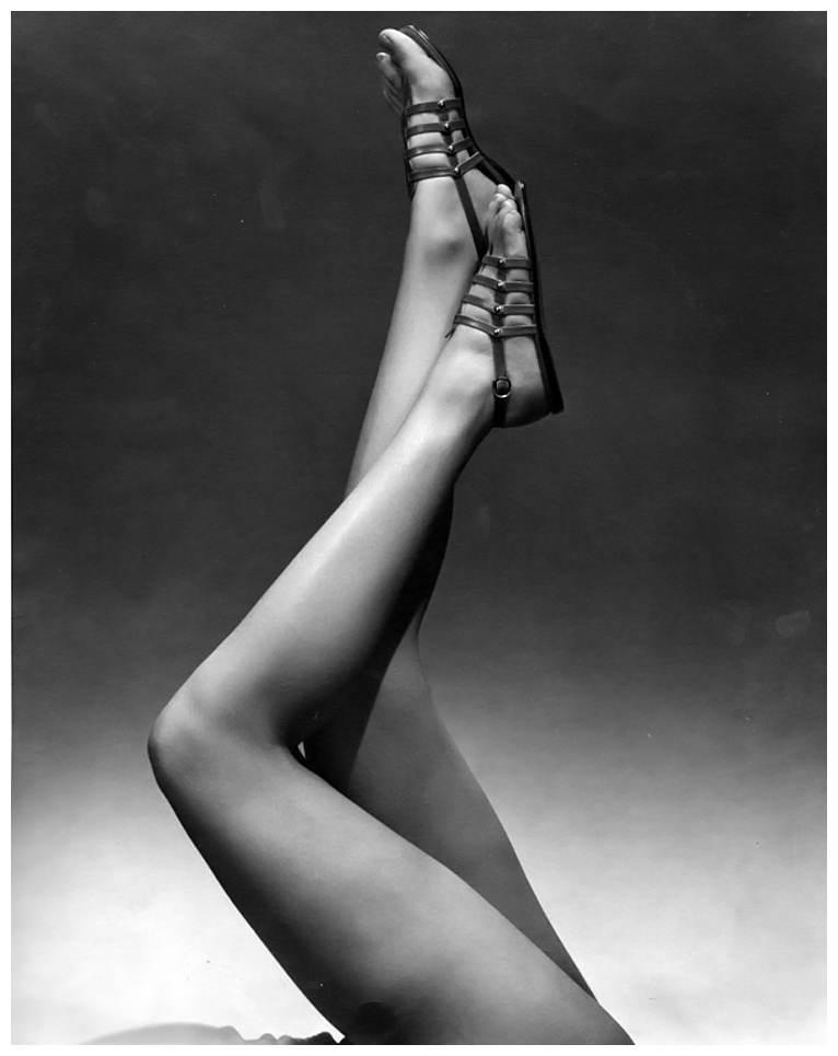 edward-steichen-model-wearing-sandals-1934