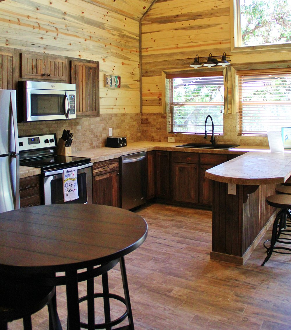 Sabine Cabin - Kitchen
