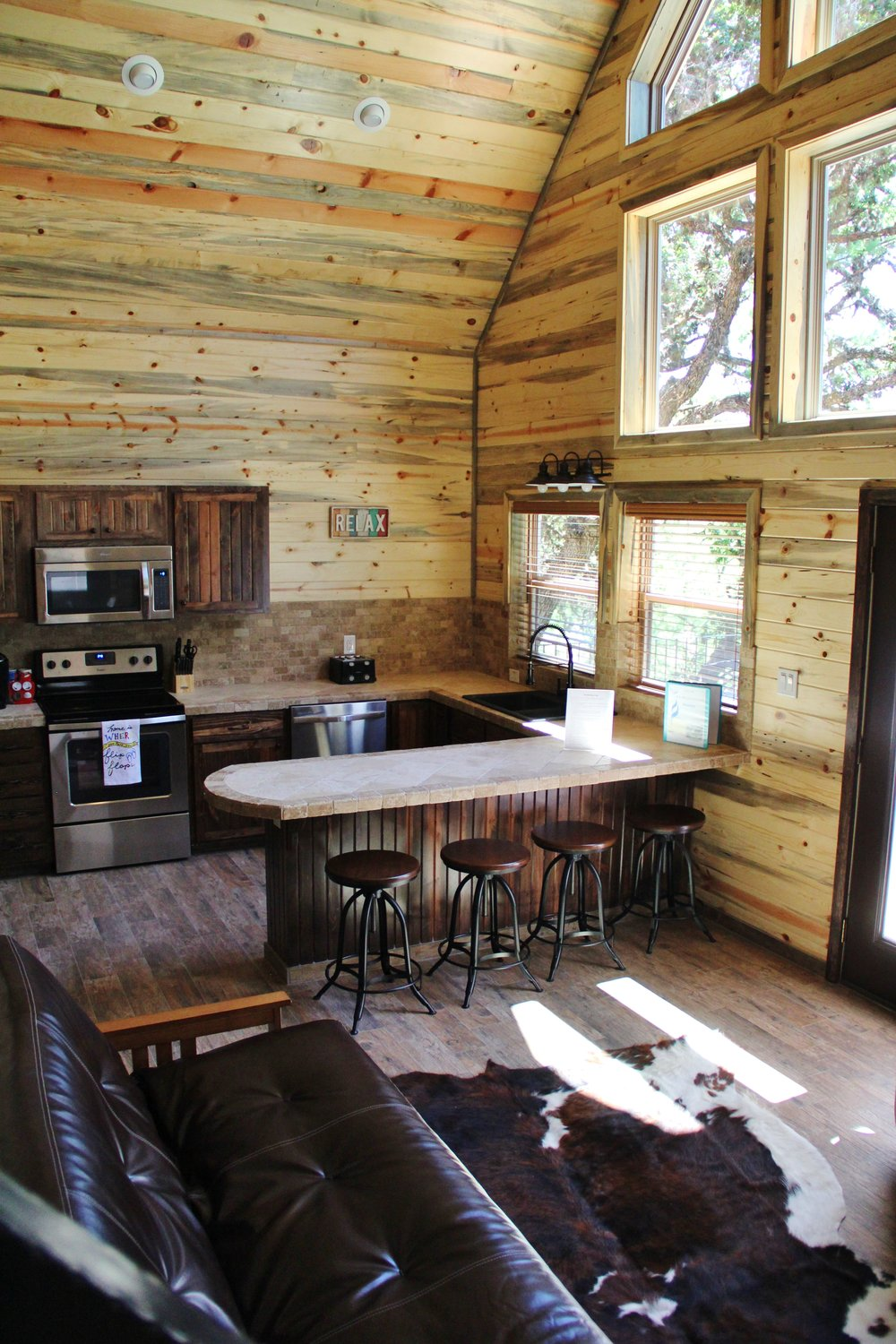 Pecos Cabin - Kitchen