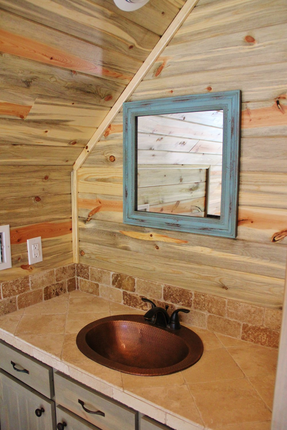 Blanco Cabin - Loft Bathroom