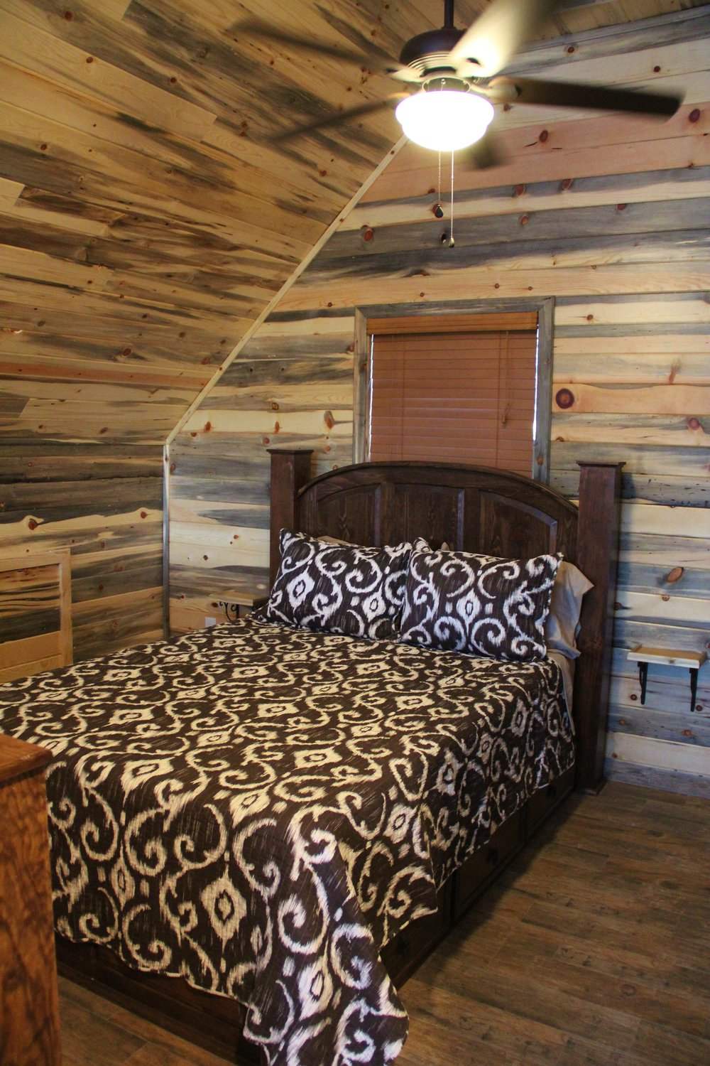 Pecos Cabin - Loft Bedroom